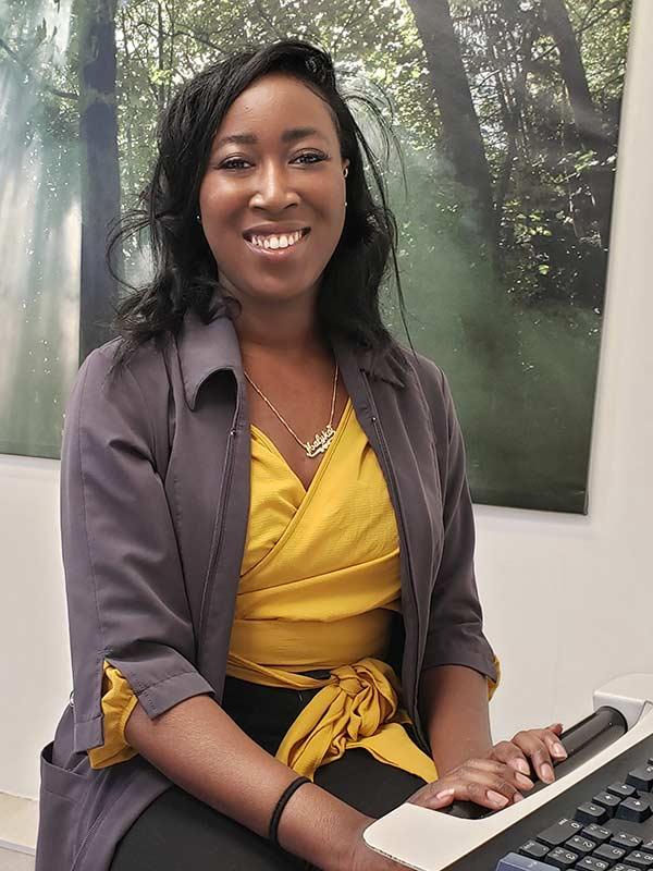 Malika Garbeau, secrétaire dentaire